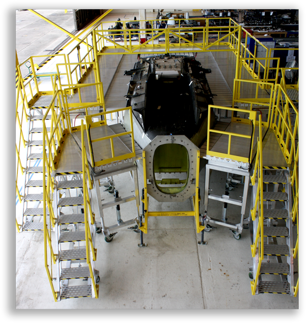 UH-60S_Phase_Maintenance_Stand